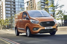 Ford Transit Custom Medium Van
