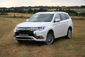 Mitsubishi Outlander People Carrier