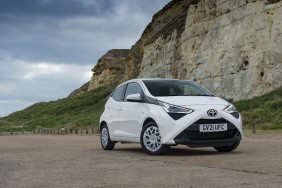 Toyota Aygo Hatchback 5 Door 1.0 VVT-i X-Play 2
