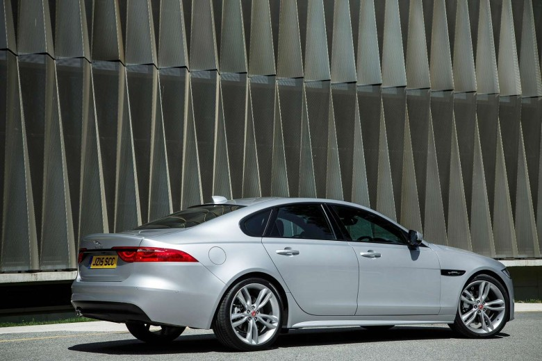 D And S Auto >> Jaguar Xf Saloon 3 0d Tdv6 300ps S Auto Lease Deal Applied Leasing