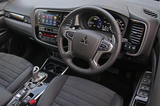 Mitsubishi Outlander SUV Cmmrcl 2.4 Phev Reflex Plus  Auto