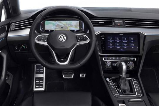 Volkswagen Passat Saloon 2.0 TDI 150ps Evo SEL