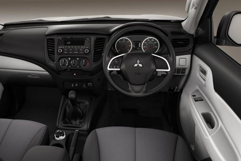 Mitsubishi L200 Van